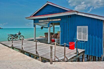 Gdzie tanio wynająć domek nad morzem?
